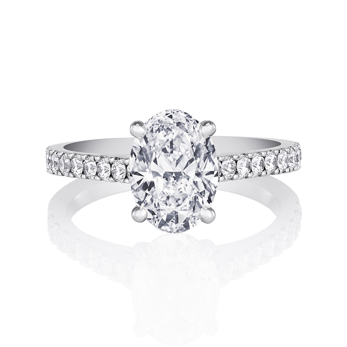 Oval Cut  Engagement Rings for Sale: beatiful oval cut engagement rings design