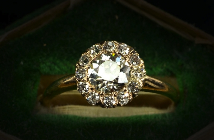 Victorian Engagement Rings History: light victorian engagement rings effect