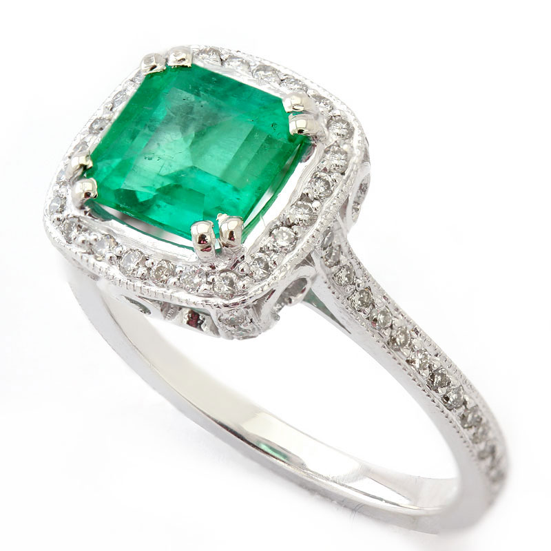 Emerald Engagement Rings Vintage: natural-emerald-engagement-ring-style