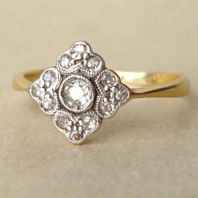 Old Victorian Engagement Rings Style