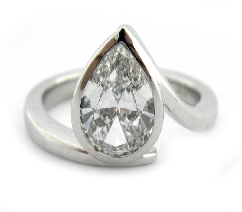 Pear Engagement Rings Canada: unique pear engagement rings design