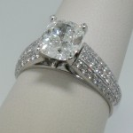 diamond-engagement-rings-with-simple-diamond-and-acrylic-deigns-rings-make-elegant-style-engagement-rings