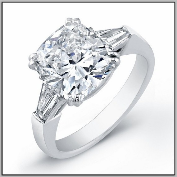 Amazing Cushion Cut Diamond Engagement Rings UK: silver-cushion-diamond-engagement-rings-with-custom-diamond-and-glamour-cristal-designs-wedding-rings-ideas